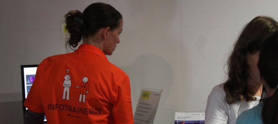 Infotrainer Uniform
